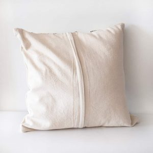 black-and-white-cushion2