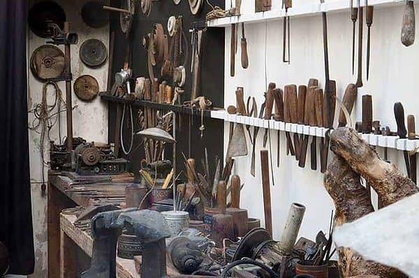 brancusi-workshop-tools