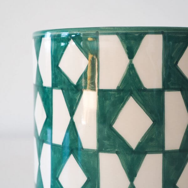 green-pattern-pot-detail
