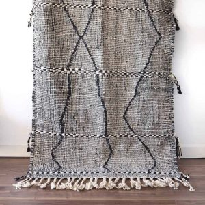 moroccan-black-and-white-vintage-rugmoroccan-black-and-white-vintage-rug