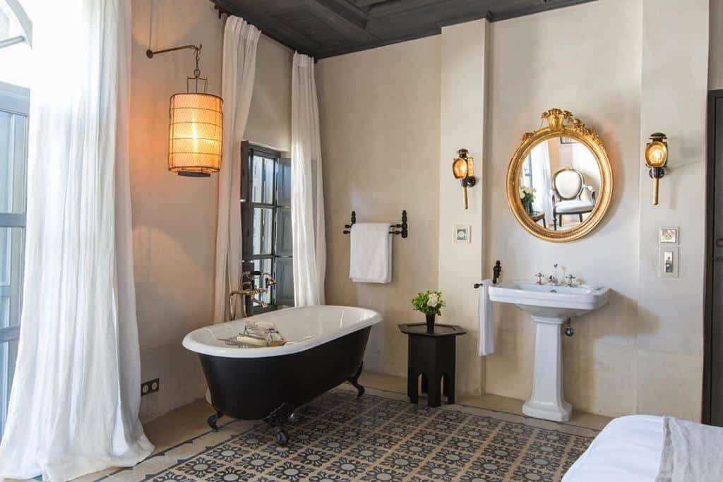 Riad tarabel bathroom