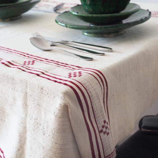 natural tablecloth red detail